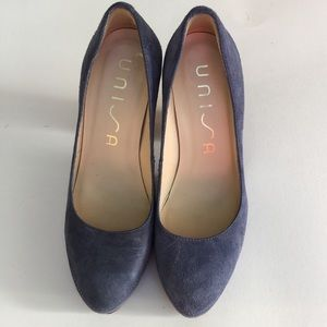 Unisa thick heel pump